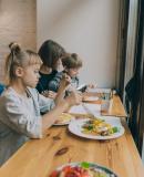 Постер к Французские дети не плюются едой