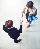 Постер к Ты способна на большее. 12 привычек, которые мешают женщинам сделать карьеру