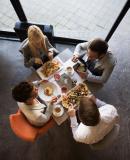 Постер к Никогда не ешьте в одиночку и другие правила нетворкинга