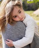 Постер к Любите детей больше, чем вы ненавидите друг друга
