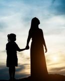 Постер к Нелюбимая дочь. Как оставить в прошлом травматичные отношения с матерью и начать новую жизнь